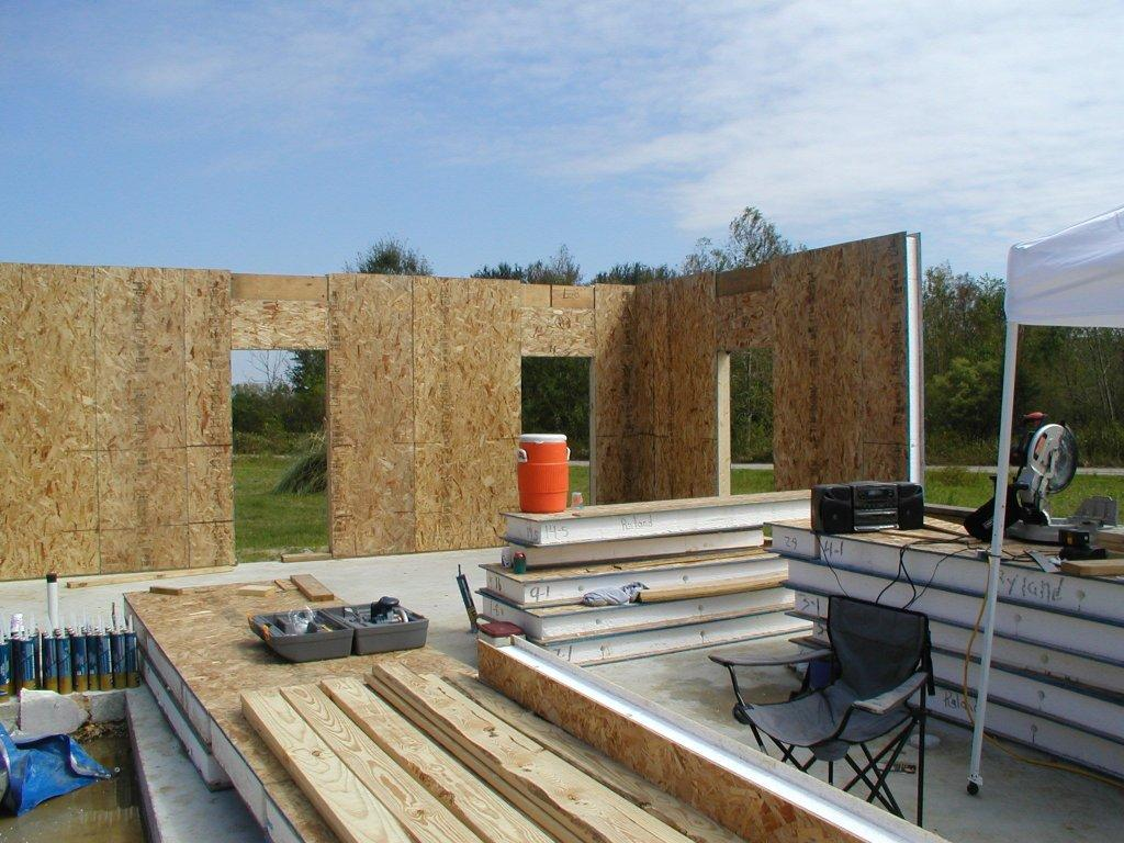 Sip house construction june 2009 Building with sip